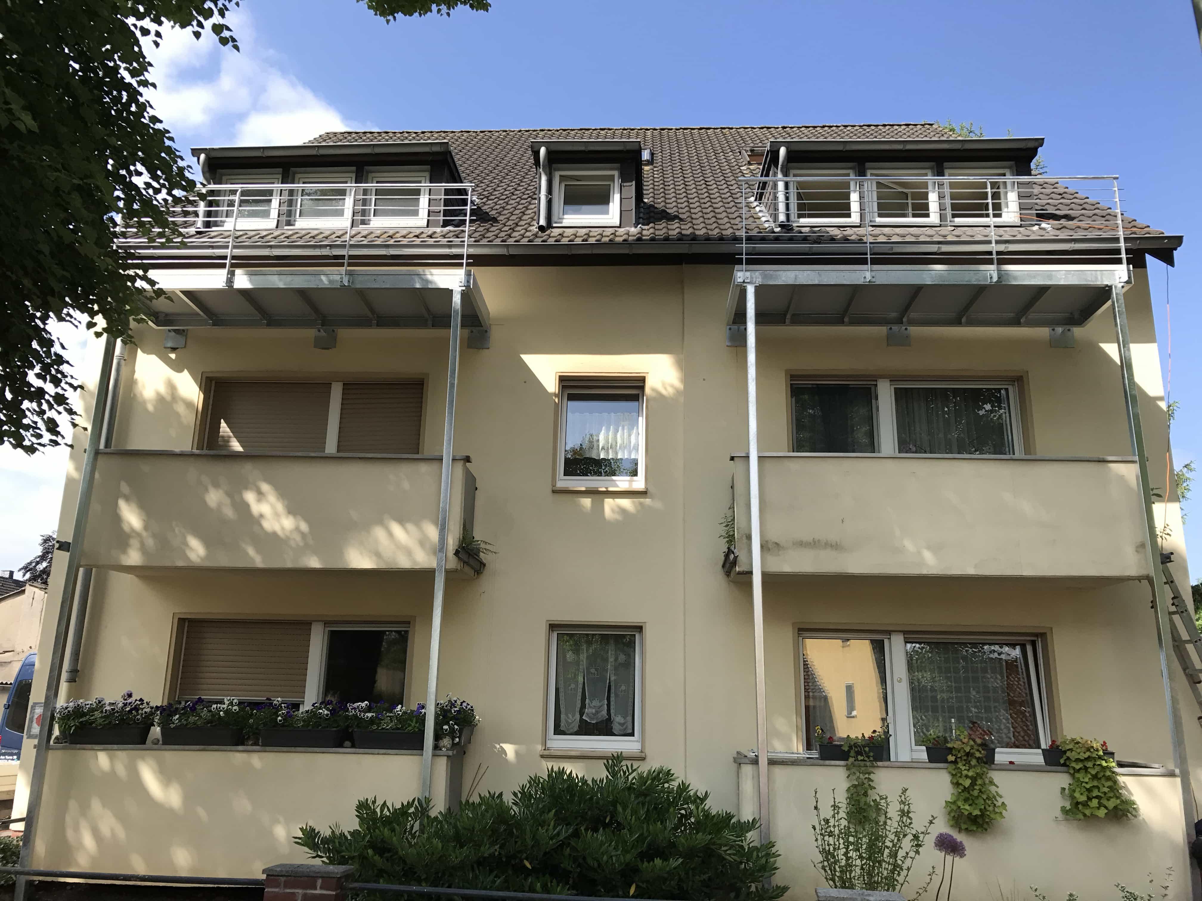 Erweiterung der Balkone in einem bestehenden Gebäude